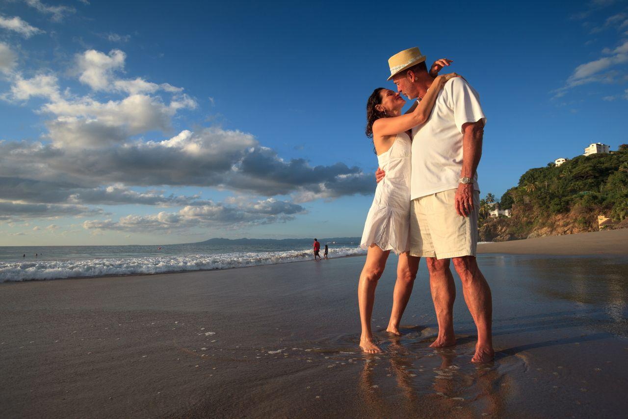 Фото семейной пары на отдыхе секс, Секс на пляже частное фото семейных пар 25 фотография